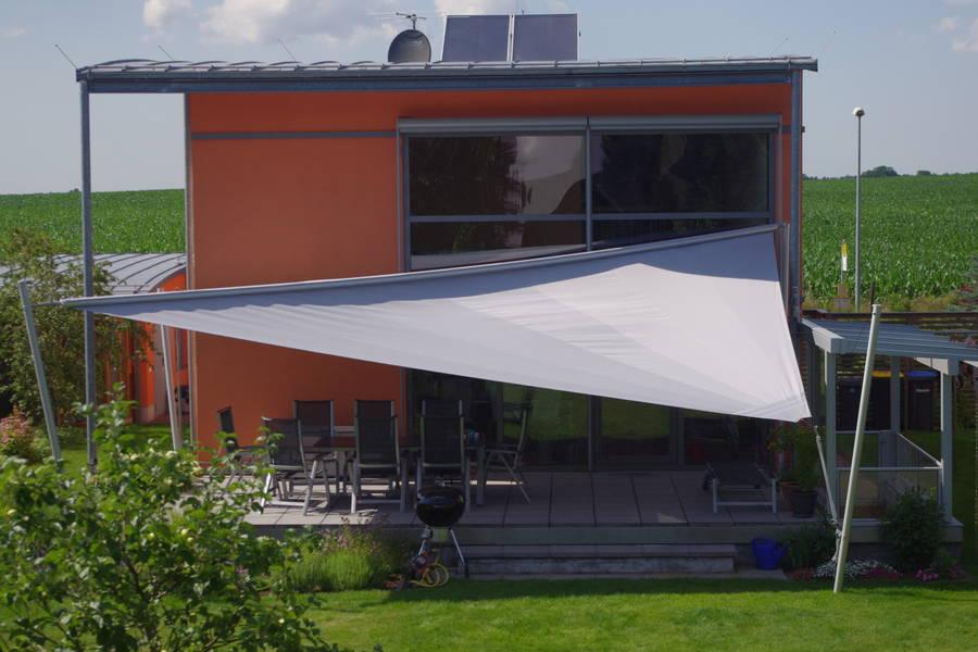 Sonnensegel bieten Schutz vor Wind und Wetter