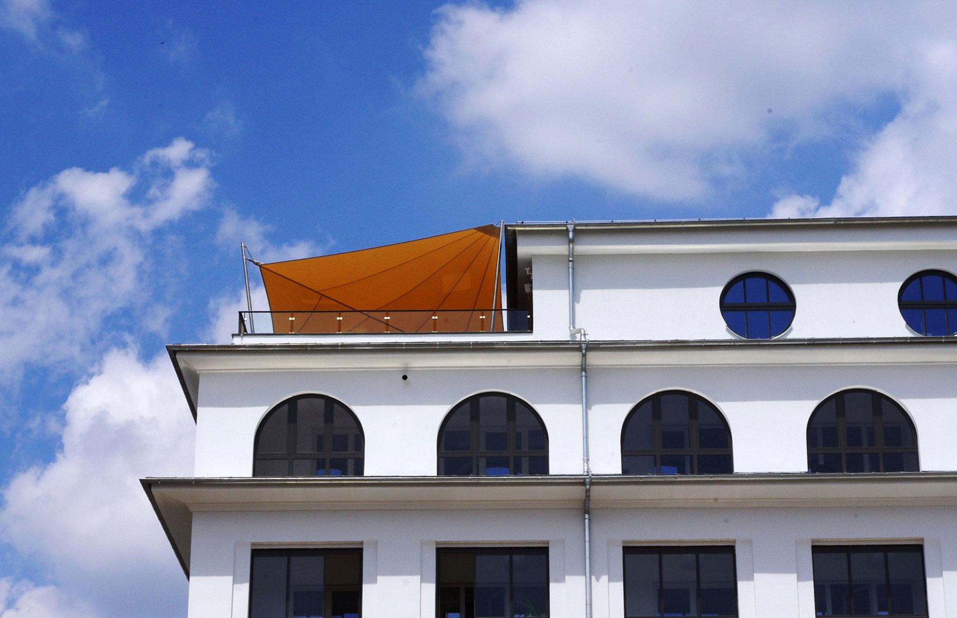sonnensegel dachterrasse hohmann sonnenschutz. Black Bedroom Furniture Sets. Home Design Ideas
