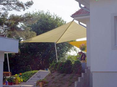 aufrollbares Sonnensegel mit C Anlage, Kombinationsanlage