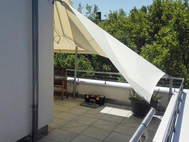 aufrollbares Sonnensegel Dachterrasse