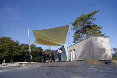 Tanzbühne am Ostseestrand Zempin - überspannte Fläche: 160 qm, vollautomatisches Sonnensegel