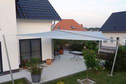 Sonnensegel als Sonnenschutz für die Terrasse