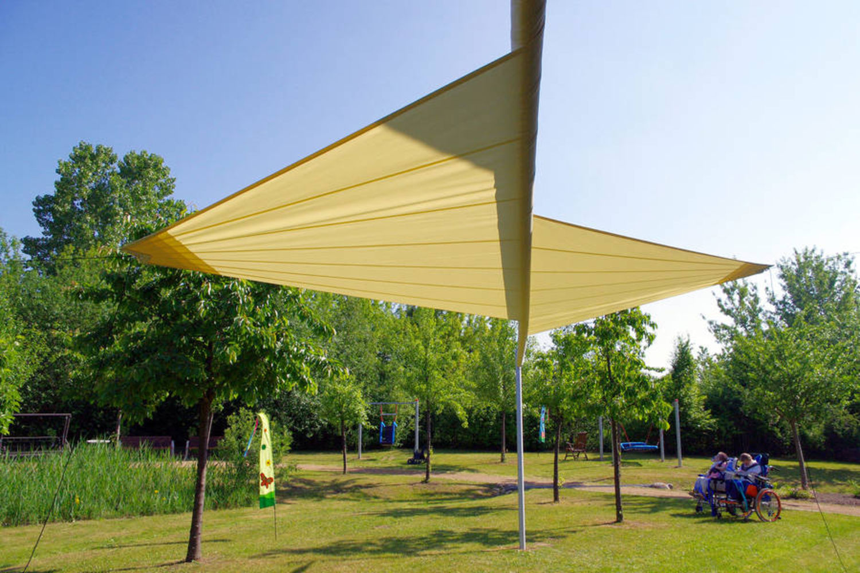 Sonnensegel dreieckig aufrollbar | Hohmann Sonnenschutz